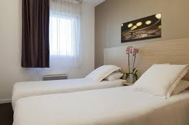 hotel chambre familiale annecy zenitude hôtel résidences les hauts d annecy annecy reserving com