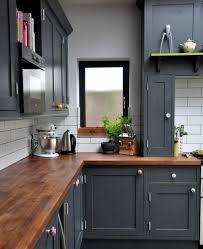 peindre meuble de cuisine meuble cuisine gris anthracite 1couleur mur grise peinture carrelage