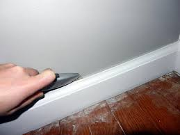 Remove Laminate Flooring Home Tips Baseboard For Laminate Flooring How To Remove