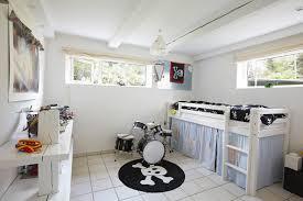 am駭ager un garage en chambre garage les différentes é pour bien l aménager hellocasa fr
