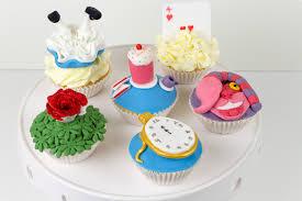 in wonderland cupcakes