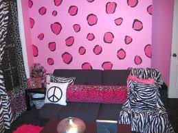 20 diy indoor wall painter ideas for more refreshing home candy pink leopard pattern diy indoor wall painter