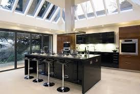 cuisine noir laqué cuisine et bois en 42 idées de design d intérieur