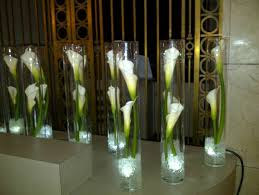 Tall Glass Vase Centerpiece Ideas 2013 2017 Pricing Guide Roses For Weddings
