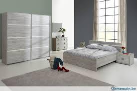 armoire chambre à coucher chambre à coucher en deco gris avec armoire portes a vendre