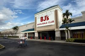 petsmart open on thanksgiving bj u0027s wholesale club to stay closed on thanksgiving malled