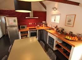 peindre des armoires de cuisine en bois repeindre sa cuisine en bois gallery of ide dco de rnovation