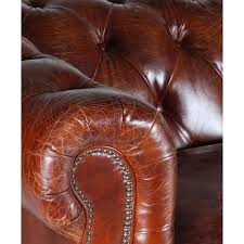 canapé chesterfield cuir vintage fleming un grand canapé chesterfield cuir marron monachatdeco com