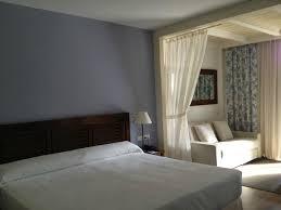 coin chambre dans salon chambre spacieuse coin salon photo de portaventura hotel caribe