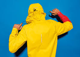 raincoat for bike riders amsterdam u0027s raynsie high performance rain gear cool hunting