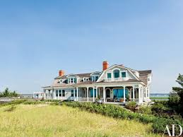 Beach House Pictures This Stunning Shingled Beach House In The Hamptons Features Modern