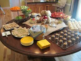 inexpensive baby shower ideas for neutral decoration