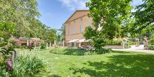 chateau pour mariage chateau pour mariage et receptions en provence château d ayguebelle