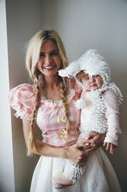 Mary Lamb Halloween Costume Barefoot Blonde Amber Fillerup Family U0027s Costumes