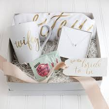 best 25 gifts ideas on bridal shower gifts for