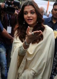 Jaya Bachchan Hot Pics - aishwarya rai bachchan jaya bachchan launch of album sri