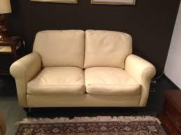 prezzo divani gallery of frau divano modello george due posti meta 39 prezzo