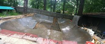Backyard Skate Bowl Durtbowl How We Grind In The Durty