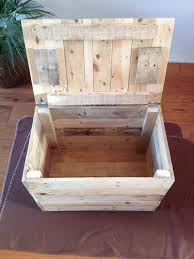How To Make A Toy Chest Out Of Wood by Best 25 Pallet Chest Ideas On Pinterest Wooden Trunk Diy Wood