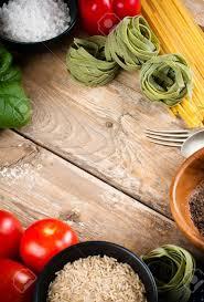 les fonds de cuisine fond de nourriture les légumes frais les tomates les poivrons
