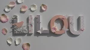 lettres décoratives chambre bébé prenom lettres bois poetiques lilou theme tilda ruban sur