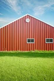 How To Build A Barn Style Roof Best 25 Diy Pole Barn Ideas Only On Pinterest Pole Barn Designs