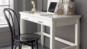 How To Make A Small Desk White Lacquer Office Desk Decoist Make Something Similar For