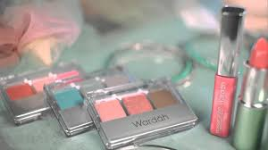 Satu Set Alat Make Up Wardah produk make up wardah aman dan halal informasi menjanjikan