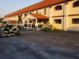 all seasons inn u0026 suites bourne updated 2017 prices u0026 motel