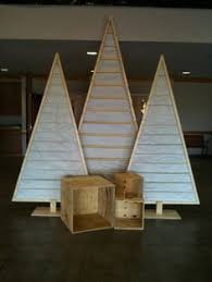 White Christmas Stage Decorations by Best 25 Christmas Stage Design Ideas On Pinterest Stage
