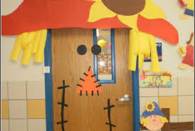 thanksgiving turkey classroom door decoration wholechildproject