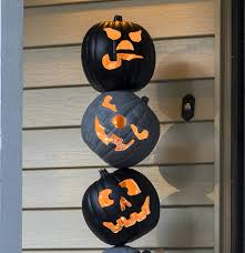 lighted pumpkins for halloween lighted outdoor halloween pumpkin topiary diycandy com