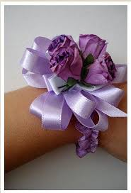 how to make wrist corsages wrist corsage tutorial 5 steps