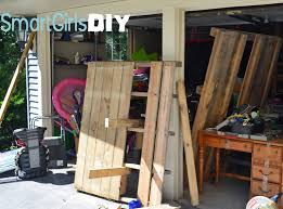 Diy Shelves Garage by Bike And Beach Chair Storage U003d Using Pallets To Make Cheap Diy