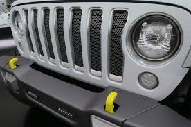 safari jeep wrangler 2017 moab easter jeep safari wrangler safarigrille 02 motor trend