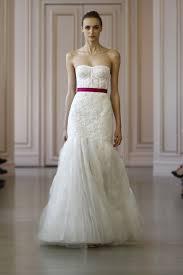 robe de mariã e printemps copping signe sa première collection mariage chez oscar de