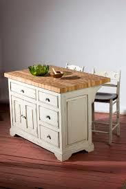 bloc de cuisine meubles sur mesure en bois massif et bois ancien