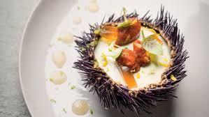 comment cuisiner des oursins oursins bavaroise de fenouil gelée de crustacés recette