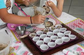 cours de cuisine pour enfant cours de cuisine atelier cupcakes et cakes pop la fabricamania