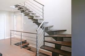limon d escalier en bois vous recherchez des escaliers à limon central escaliers