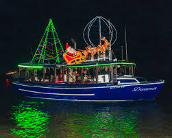 Houseboat Rental Near Los Angeles Sleigh Rides On Water 5 Southern California Holiday Boat Parades