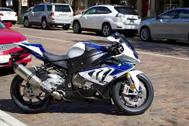 bmw hp4 black saw this awesome 2013 bmw hp4 in my town not mine but i m