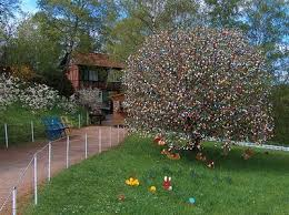 german easter egg tree crochetoholic s crochet place crochet easter egg tree