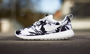 rosh run nike roshe run sunset palm trees pack highsnobiety