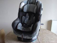 location siège bébé location siège auto enfant entre particuliers kiwiiz petites