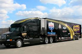volvo rigs speedway motors dusts off the big rig for show season rod authority