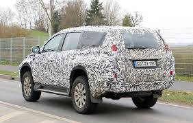 mitsubishi pajero old model 2016 mitsubishi pajero sport facelift spied camo free ahead of
