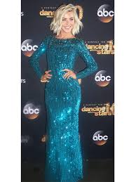 how does julienne hough style her hair dancing with the stars judge julianne hough s photo diary