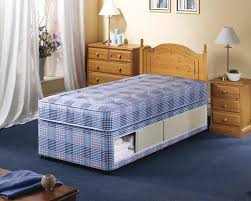 Small Bedrooms With Twin Beds Bedroom Inspiring Ideas For Teenage Small Bedroom Decoration