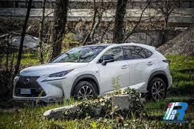 nuovo suv lexus hybrid prova lexus nx 300 hybrid f sport spazio lusso design e qualità
